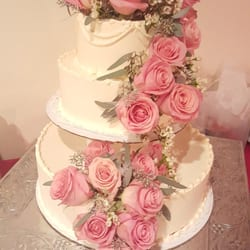 Photo Of Golden Cake Las Vegas Nv United States After The Roses