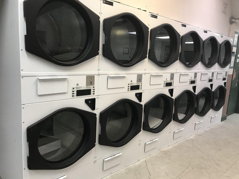 Coin Laundry Royal Washateria: 42 Westbank Expy, Gretna, LA