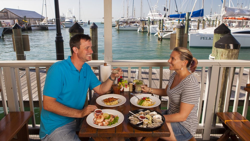 Half Shell Raw Bar: 231 Margaret St, Key West, FL