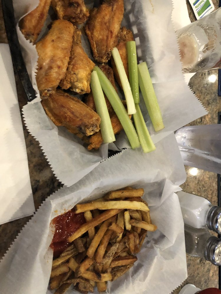 All Star Sports Bar And Grill: 1900 Main St, Canonsburg, PA