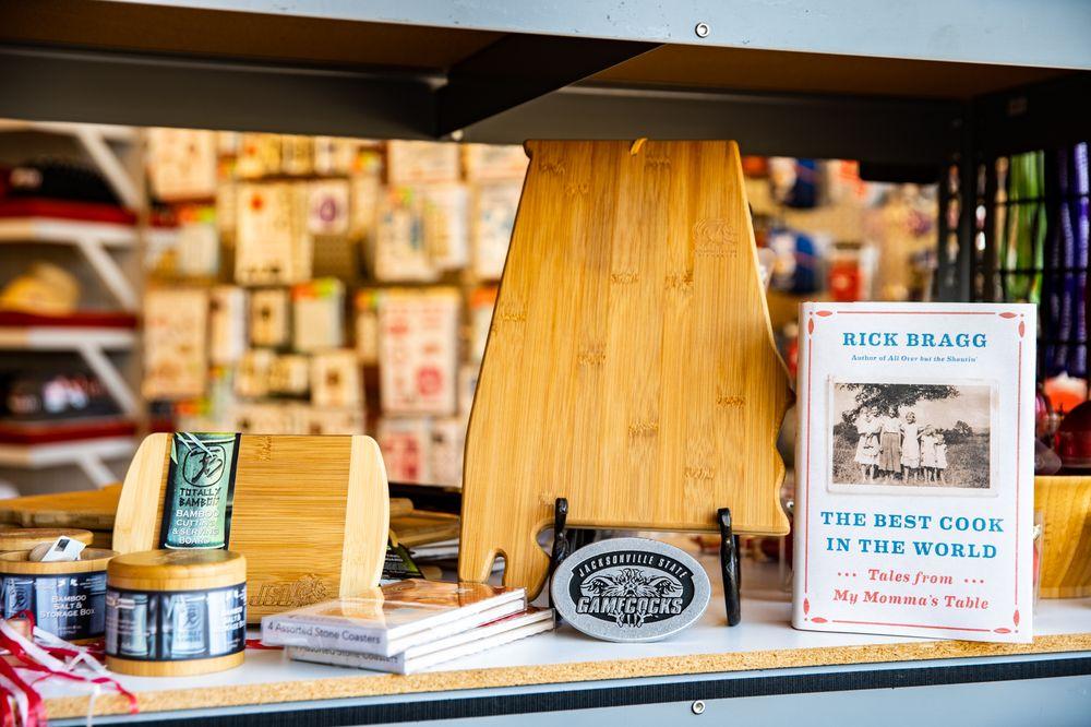 Jacksonville Book Store: 302 Mountain St NW, Jacksonville, AL