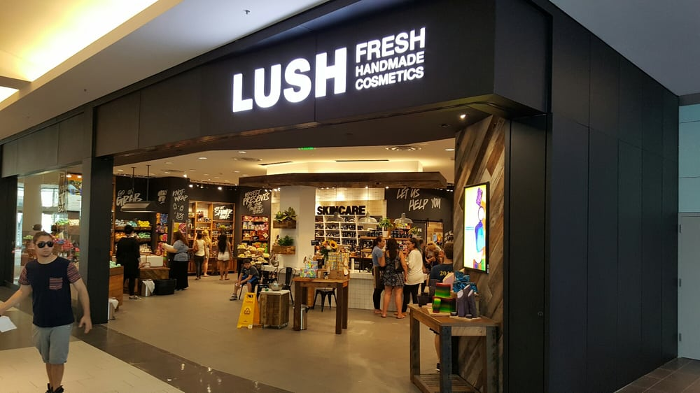 Lush Cosmetics 28 Photos 20 Reviews Cosmetics Beauty Supply 630 Old Country Rd Garden