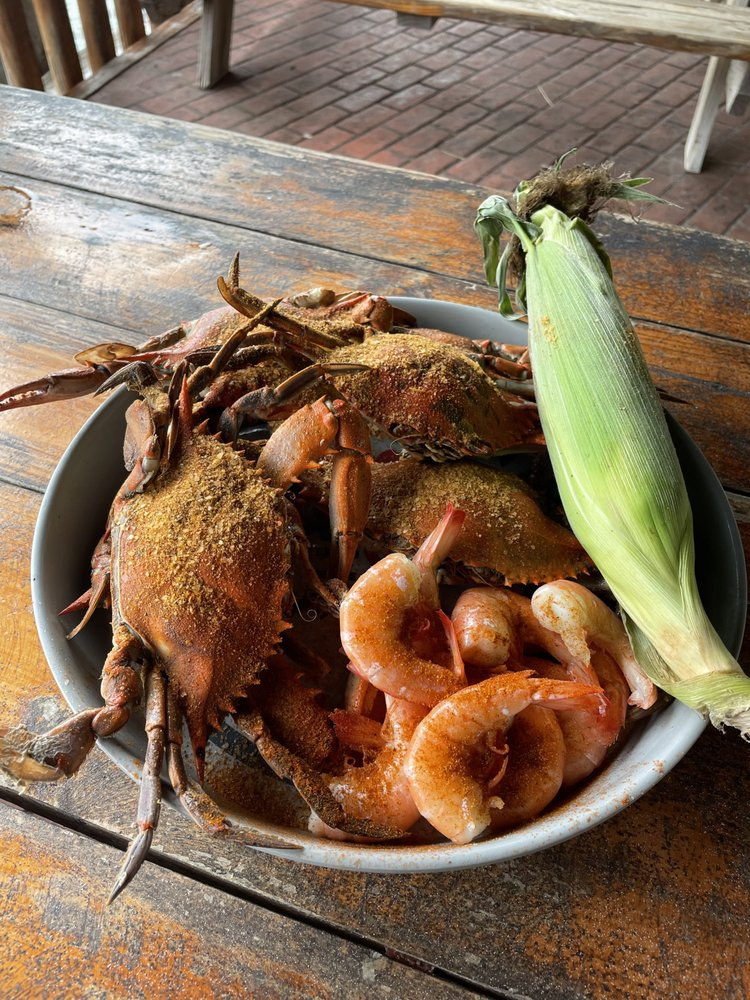 Fisherman's Grille: 923 Spruce St, Crisfield, MD