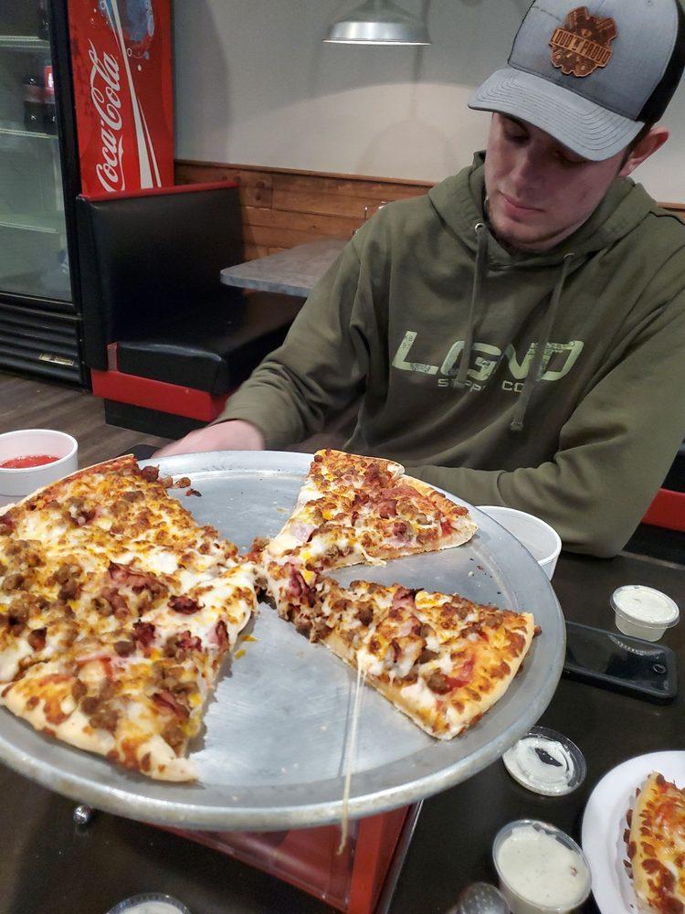 Pizza Plus: 119 N Edmonds Ave, Mc Crory, AR