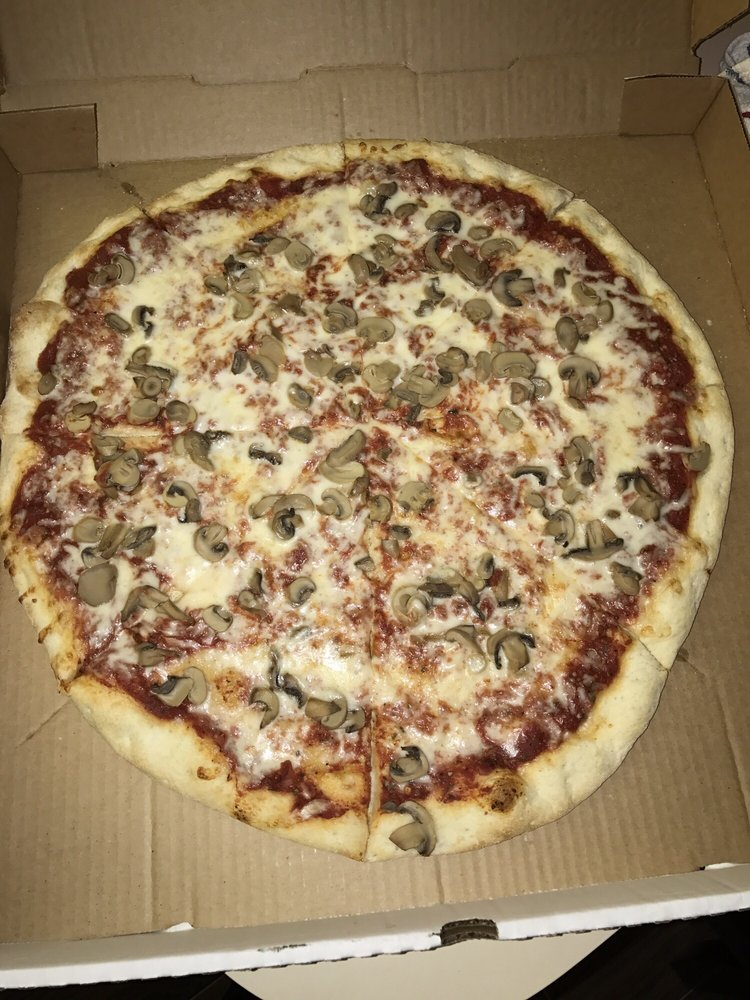 Mr. Sammy's New York Style Pizza: 312 W Interlake Blvd, Lake Placid, FL