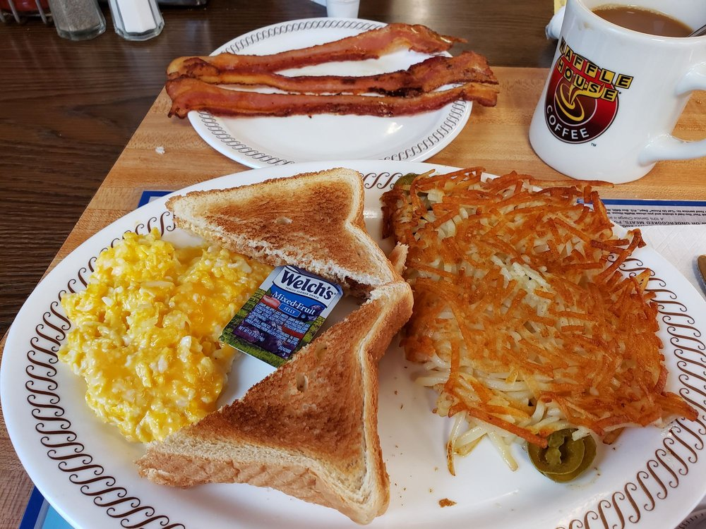 Waffle House: 220 Eastern By-Pass, Richmond, KY