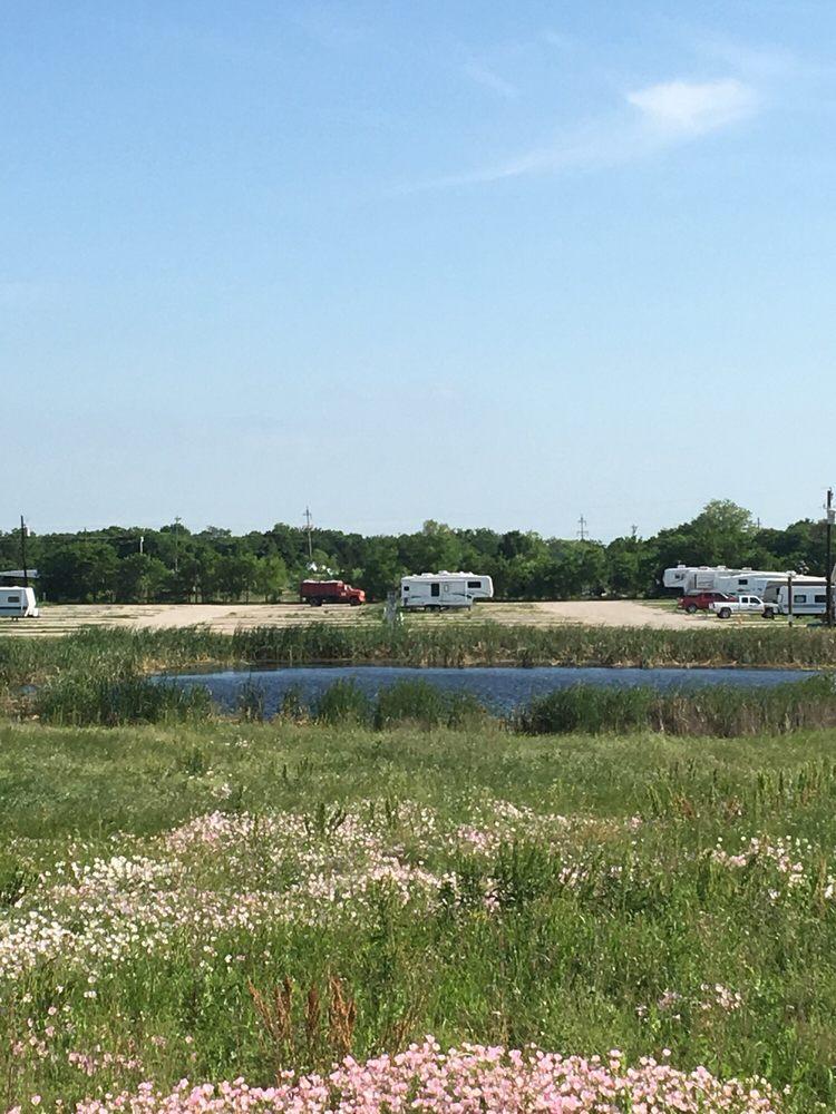 Brushy Creek Resort: 359 Brushy Creek Ranch Rd, Royse City, TX