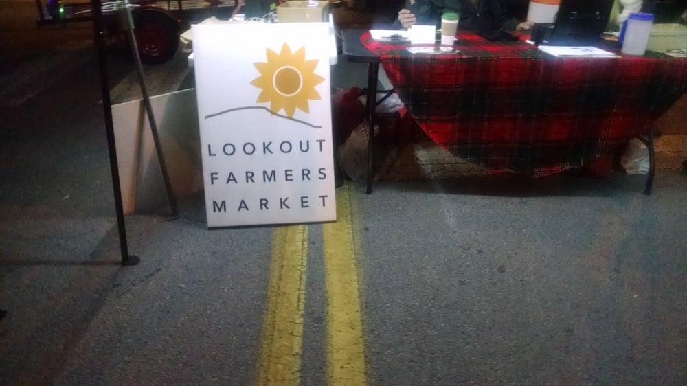 St. Elmo Christmas Market: 525 Middle Rd, Lookout Mountain, GA