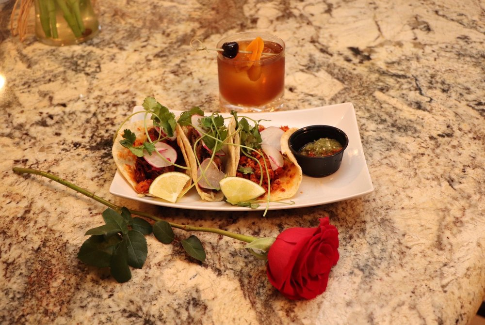 Las Tortillas Mexican Restaurant: 15051 Crestone Ave, Rosemount, MN