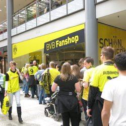 bvb fanshop sportbekleidung alte potsdamer str 7 tiergarten berlin telefonnummer yelp. Black Bedroom Furniture Sets. Home Design Ideas