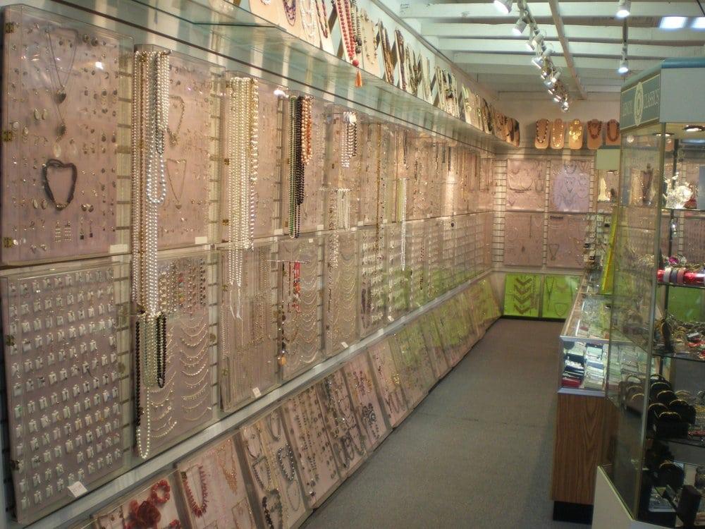 Chestnut Jewelry & Accessories
