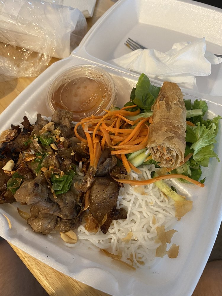 Food from Pho & Tea