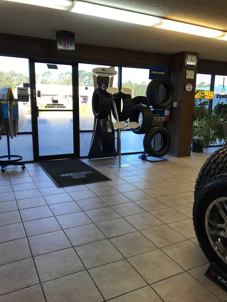 Parkway Tire & Service: 412 N Tyndall Pkwy, Callaway, FL