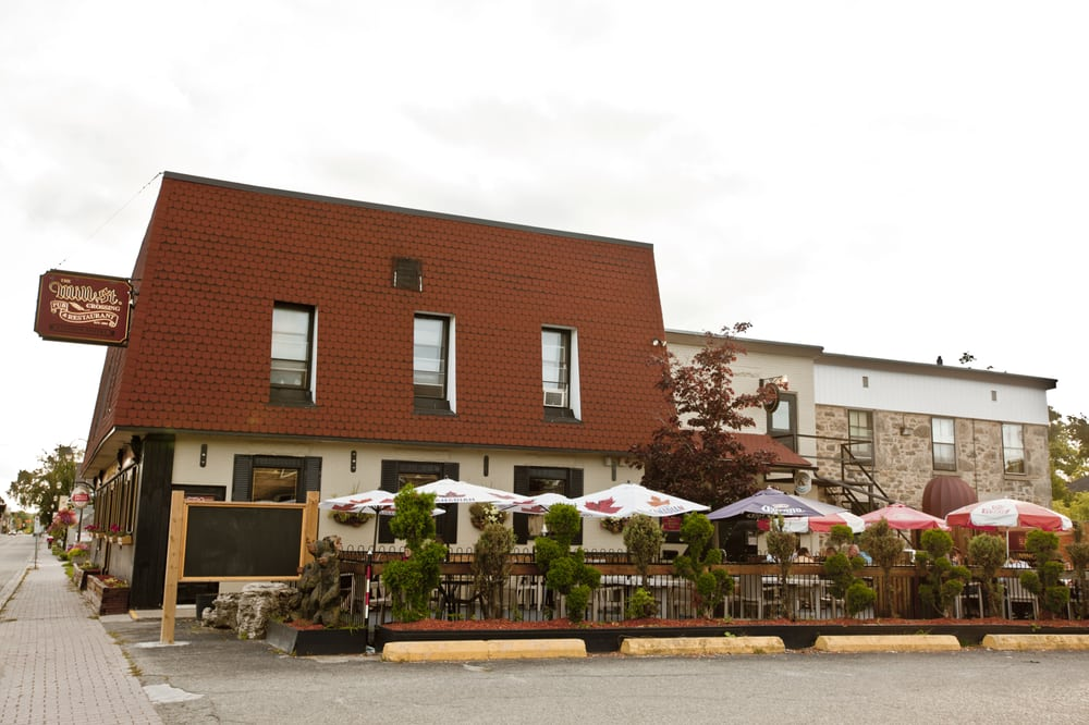 The Mill Street Crossing Pub & Rest