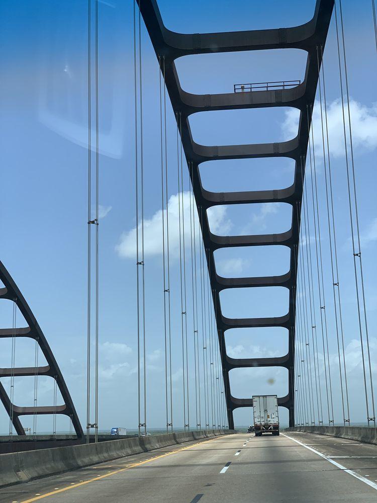 Scott Bridge: 2316 Dead Lake Marina Rd, Creola, AL
