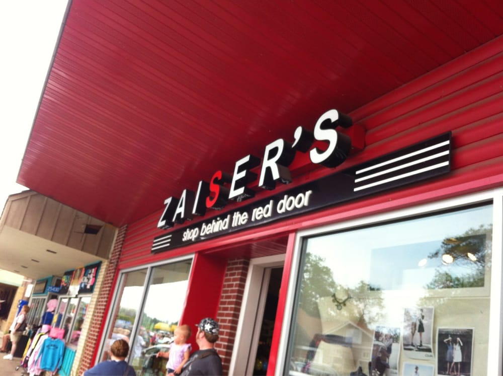 Zaisers Souvenir Gift Shop: 25424 Main St, Nisswa, MN