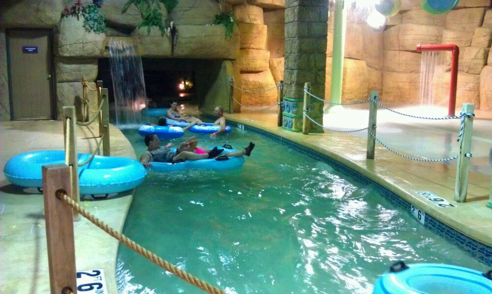 photo of polynesian resort hotel suites wisconsin dells wi united states