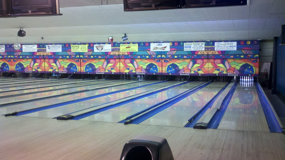 Imperial Lanes Bowling Center: 1019 Grand Ave, Ardmore, OK