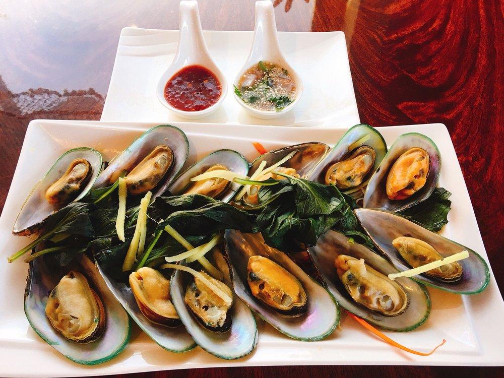 Siam Marina Thai Cuisine: 210 Reindollar Ave, Marina, CA