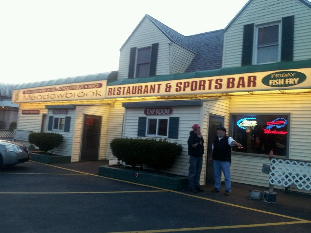 Meadowbrook Sports Bar And Resaurant: 6848 Erie Rd, Derby, NY