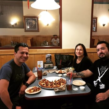 round table pizza - 20 photos & 41 reviews - pizza - 1020 n