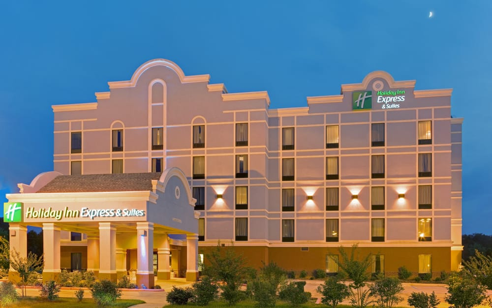 Holiday Inn Express & Suites - Greenwood: 401 Clements St, Greenwood, MS