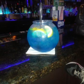 Blue finn bar grill 49 photos 27 reviews seafood for Restaurants with fish bowl drinks near me