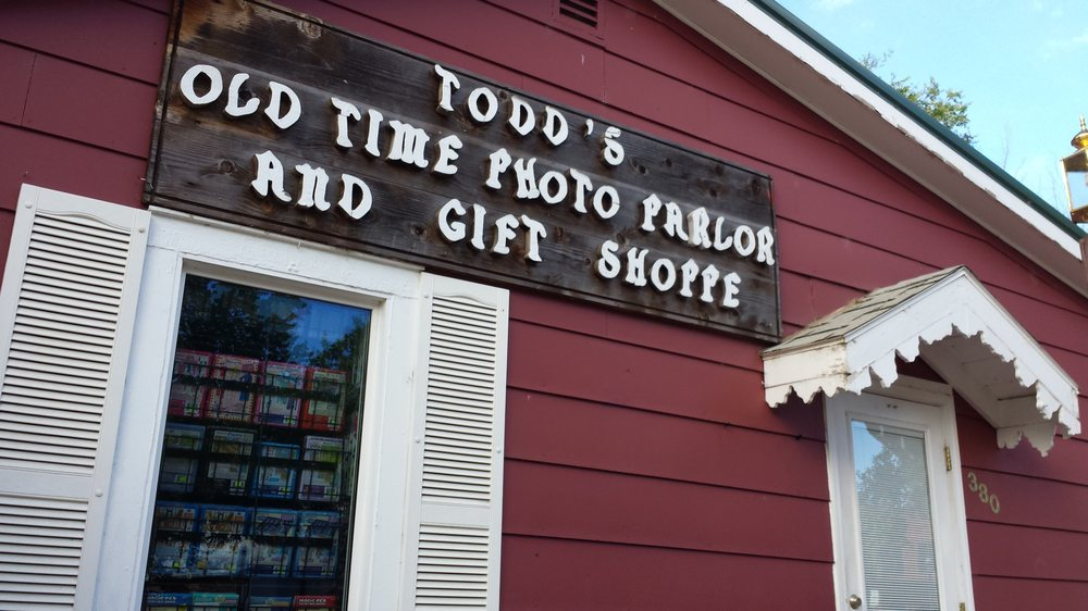 Todd's Old Time Photo Parlor: 380 3rd Ave, Medora, ND