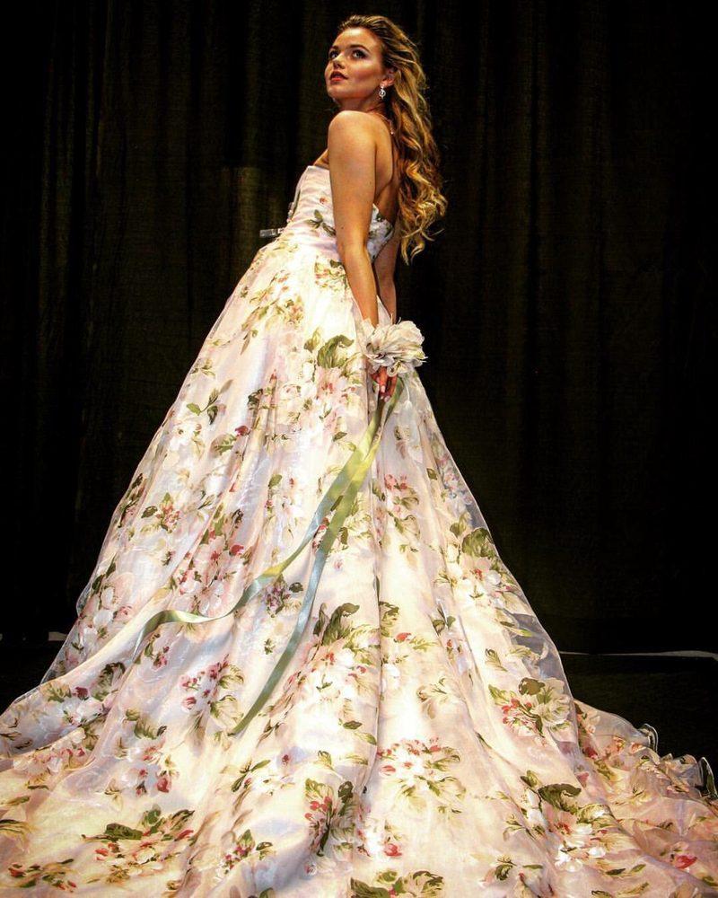 Orainda's Bridal Boutique: 4200 Old Seward Hwy, Anchorage, AK
