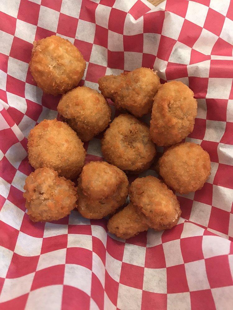 Lost Bayou Food: 126 N Guyton, Blue Mountain, MS