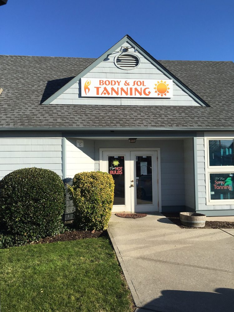Body & Sol Tanning and Beauty Boutique: 487 Main Rd, Aquebogue, NY