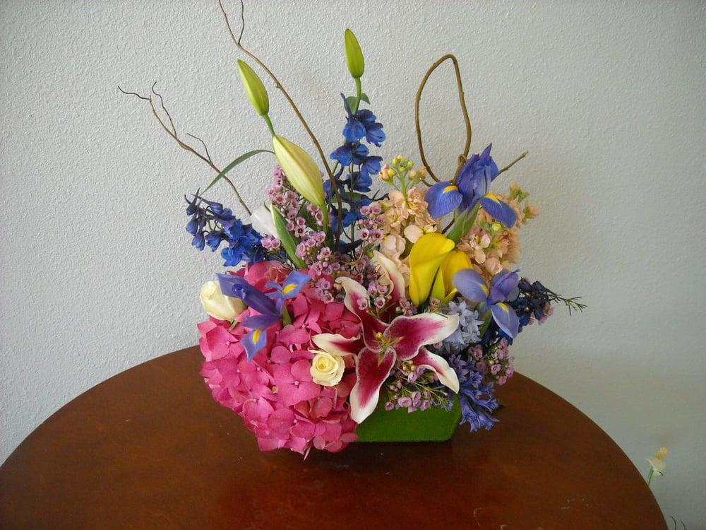 A Bloom: 104 N Muskogee Ave, Tahlequah, OK