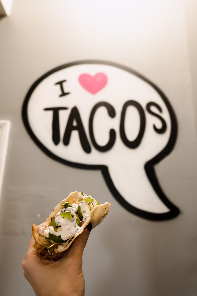 Lil Saul's Tacos: 609 Bradford Ave, Kemah, TX
