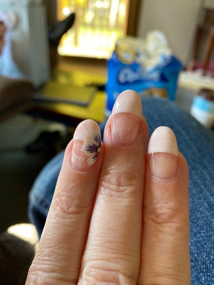 Evol Nails and Spa: 101 County Rd 120, Saint Cloud, MN