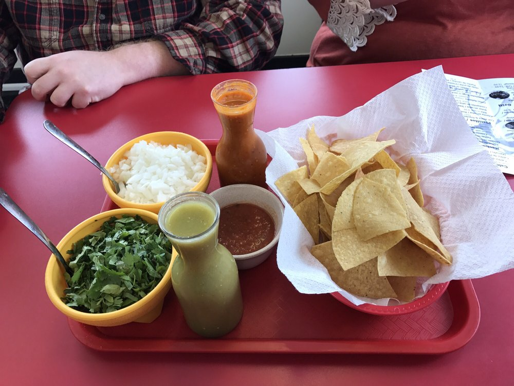 Las Marias: 211 E Madison Ave, Athens, TN