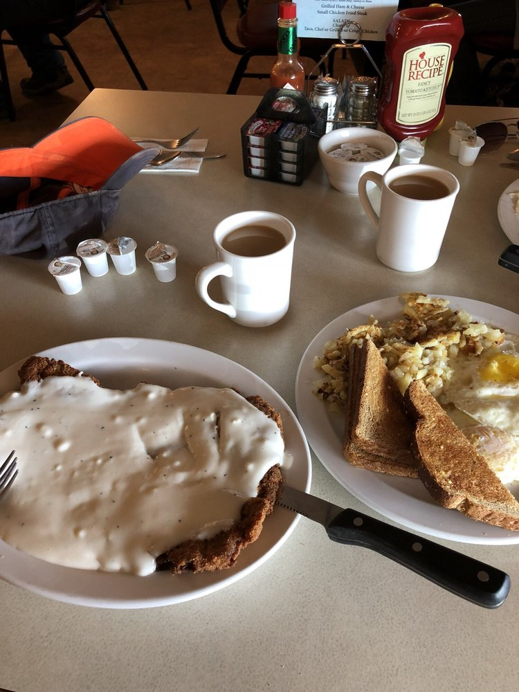 Pryor Creek Cafe & Grill: 17 Northern Ave, Huntley, MT