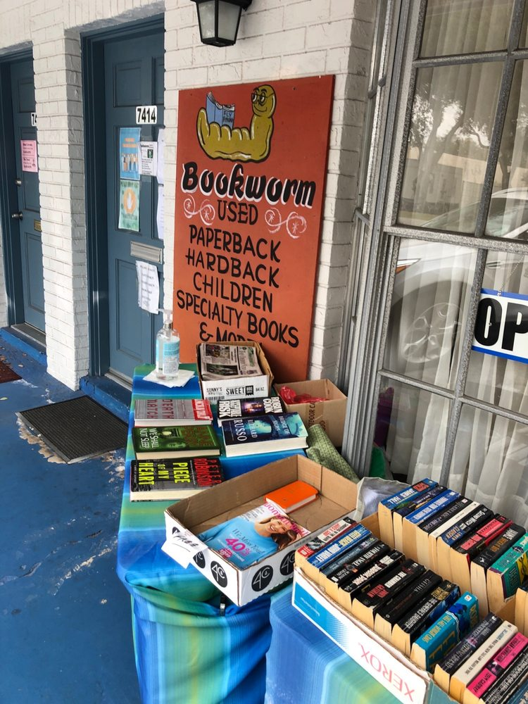 Bookworm Used Books: 7414 Commerce St, Riverview, FL