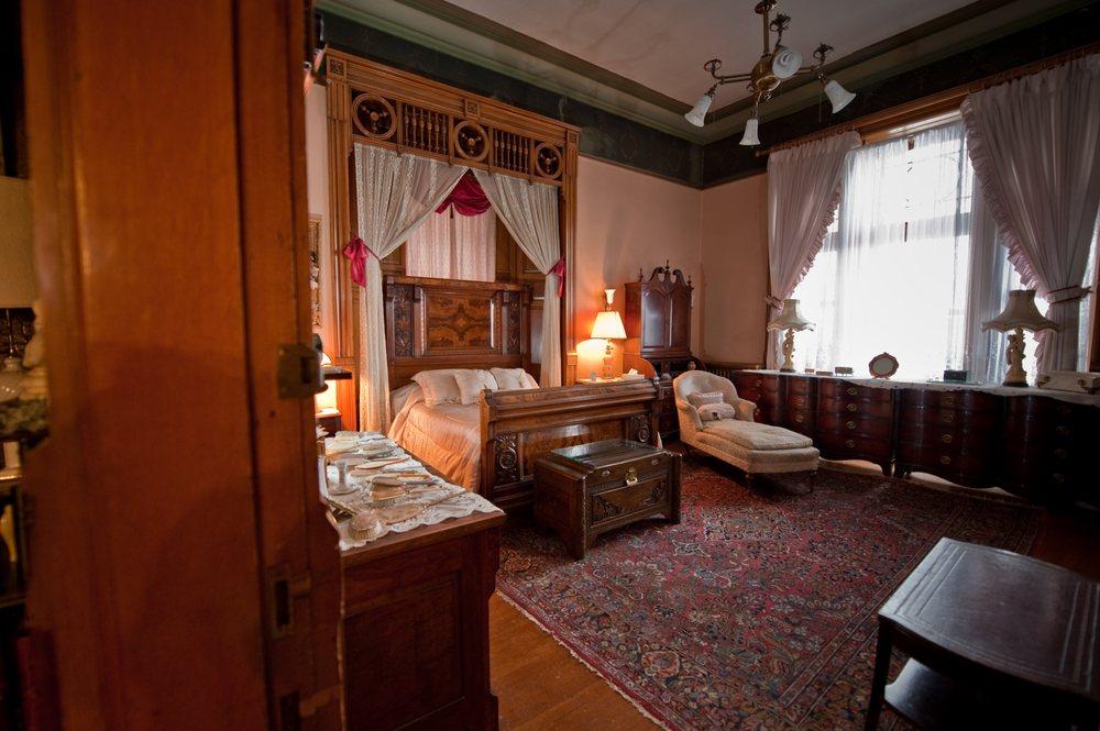 Master Bedroom Suite, 3 huge rooms! - Yelp