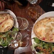Le Broc' - Lille, France. Tartiflette au maroilles et tartiflette montagnarde sans viande  (il s'adapte au Vg sans soucis!)