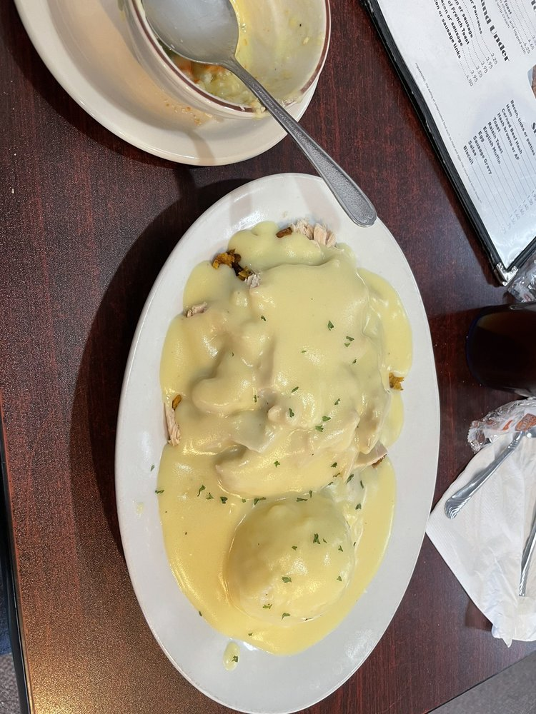 Buttermilk Cafe: 1008 1st St W, Independence, IA