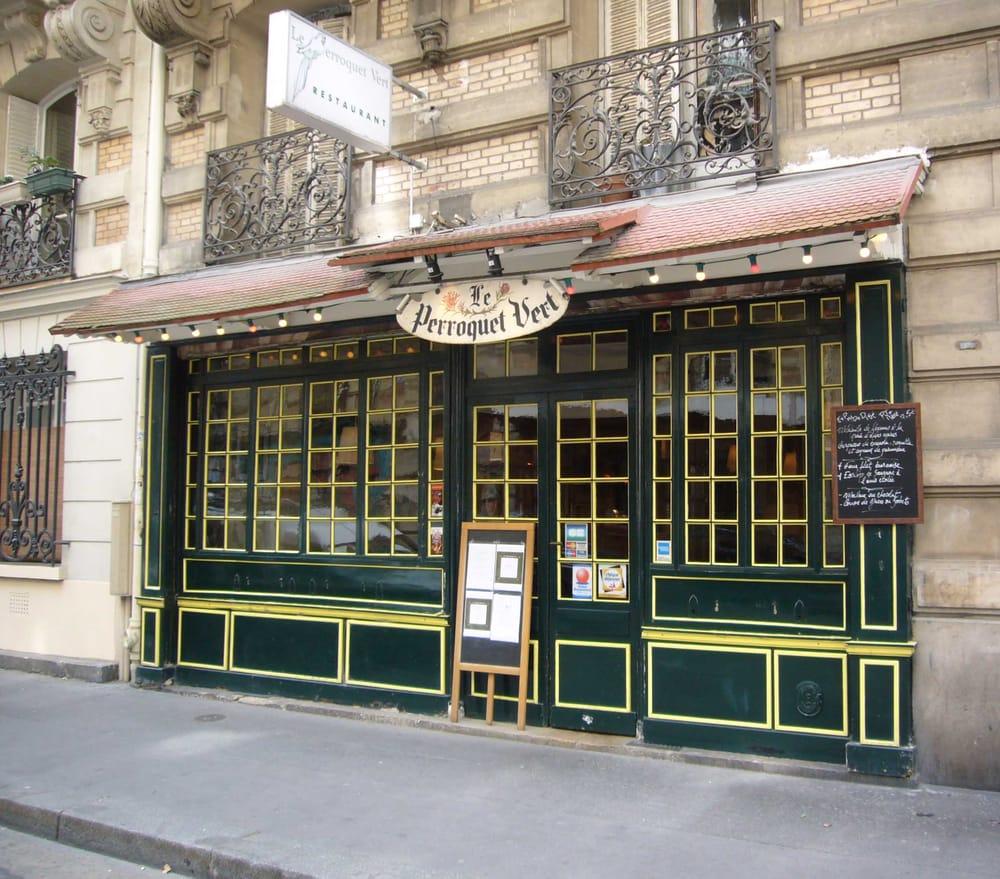 le perroquet vert 26 photos 19 reviews french 7 rue cavallotti place de clichy paris. Black Bedroom Furniture Sets. Home Design Ideas
