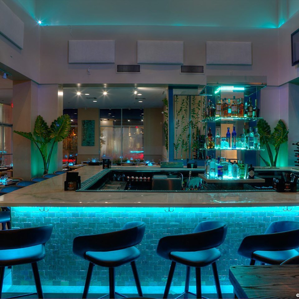AquaZure Restaurant & Bar: 1155 Main St, Jupiter, FL