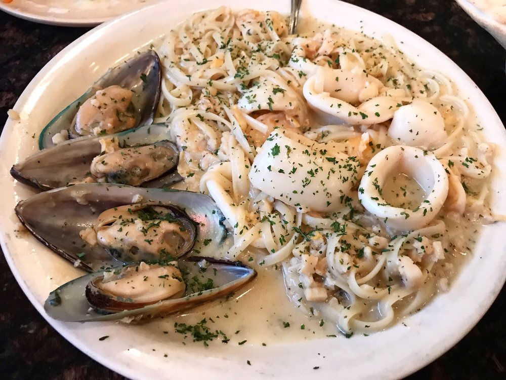 Joe's Italian Bistro: 403 N Powell Pkwy, Anna, TX