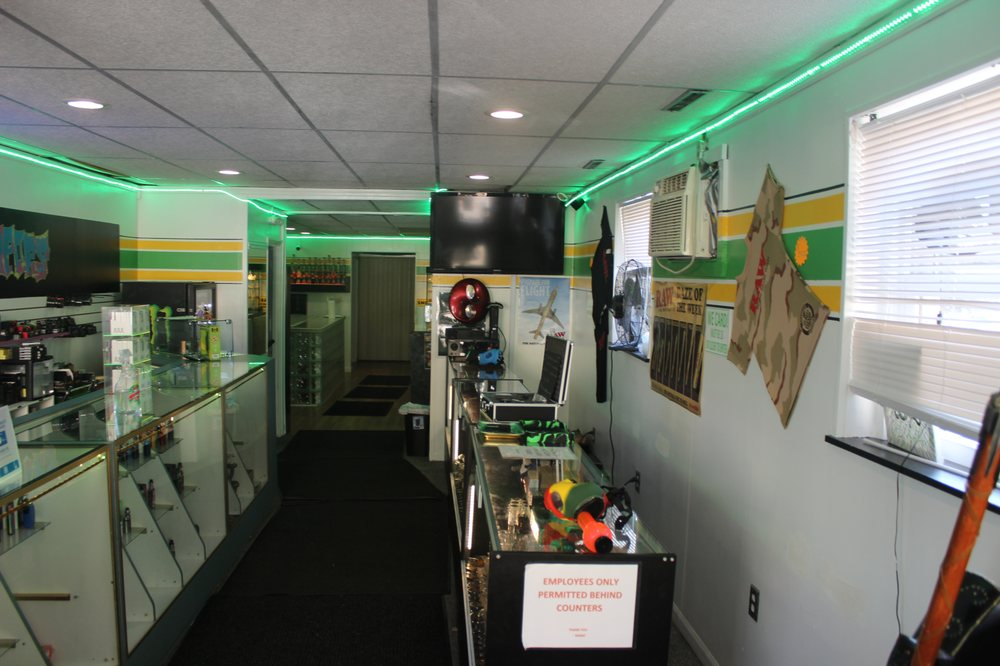 Hi Tech Vapors: 114 W Pittsburgh St, Greensburg, PA