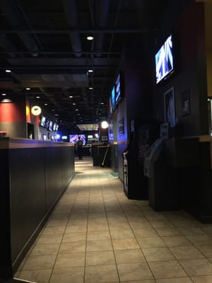 Buffalo Wild Wings - CLOSED - 27 Photos & 24 Reviews