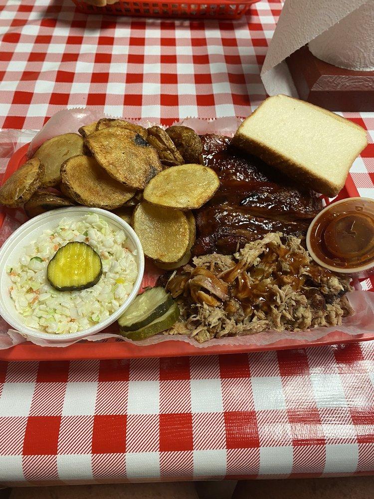 Blind Pig BBQ, LLC: 873 Barnetts Bridge Rd, Jackson, GA