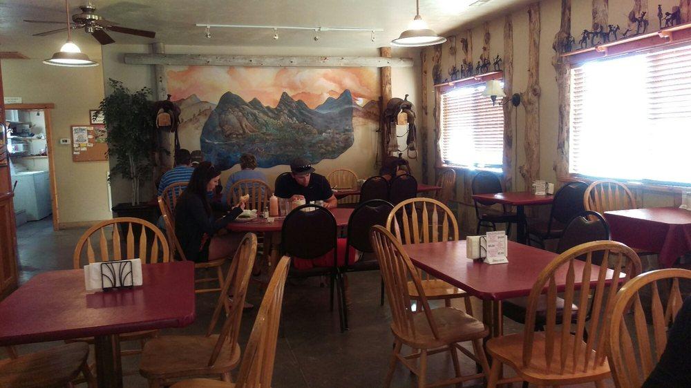 Almo Inn & Outpost Steakhouse: 3020 Elba-Almo Rd, Almo, ID