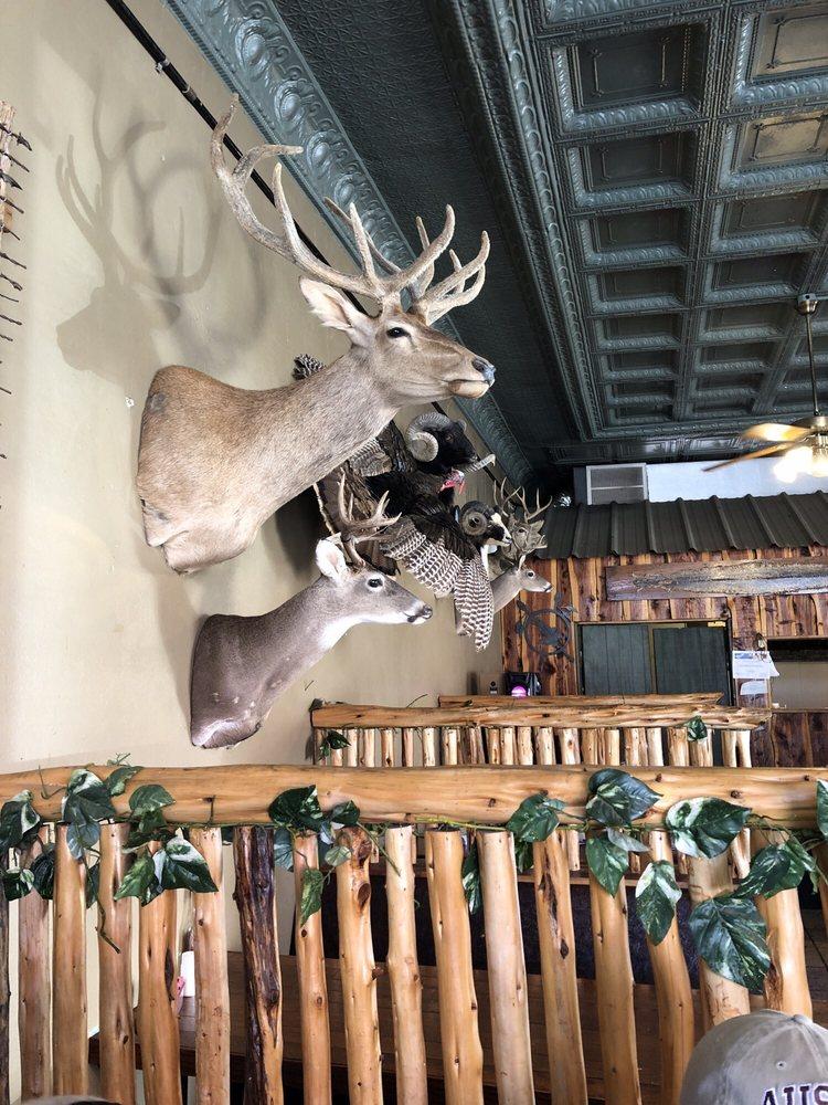 Staghorn Cafe: 100 S Main St, Cross Plains, TX