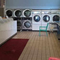 Hogans corner laundromat 47 photos 27 reviews laundromat photo of hogans corner laundromat seattle wa united states 2 full walls solutioingenieria Images