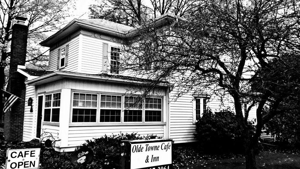 Olde Towne Cafe & Inn: 288 S Main St, Pataskala, OH